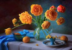 Still life with yellow tulips - null