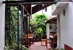 Kashi Art Cafe in Fort Cochin - My favourite cafe in Kerala so far India And Pakistan, Kerala India, South India, Cool Places To Visit, Places To Go, Cochin India, India Travel, India Trip, Kochi