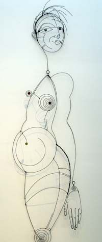 All images from Diane Komater Wire Sculpture at Velvet da Vinci Contemporary Art Jewelry and Sculpture Gallery,