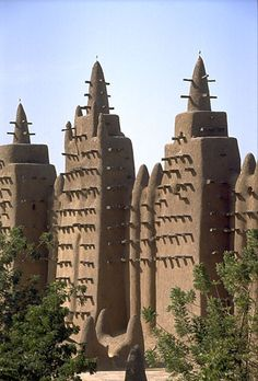 Mosque of Djenne. Mali. Designed by Ismaila Traoré. 1906.
