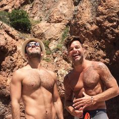 Nothing You See Today Will Top These Cute Photos of Ricky Martin and His Fiancé Jwan Yosef Tumblr Gay, Men Kissing, Cute White Boys, Cute Gay Couples, Hommes Sexy, Gay Men, Human Art, Poses, Man In Love
