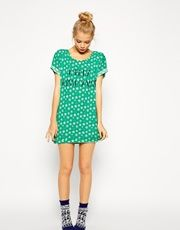 Discover the latest woman's Christmas products with ASOS. Whether she likes novelty socks or beauty sets, we have something for her. Shop now with ASOS. Latest Fashion Clothes, Latest Fashion Trends, Saved Items, Asos Online Shopping, Pajamas, Women Wear, Short Sleeve Dresses, Tees, Beauty