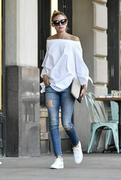 Olivia Palermo out in Brooklyn # Casual Outfits tenis olivia palermo Olivia Palermo Lookbook, Olivia Palermo Style, Look Fashion, Fashion Outfits, Womens Fashion, Fashion Trends, Fashion Weeks, Street Fashion, Milan Fashion