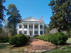 Gorgeous Home in downtown Eatonton, Ga.   I have dreamed of living here since I was little!