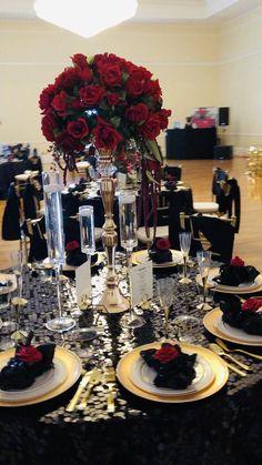 Red Black Weddings, Black Wedding Themes, Black Red Wedding, Black Gold Party, Gold Wedding Theme, Wedding Ideas, Red Table Decorations, White Wedding Decorations, Quince Decorations