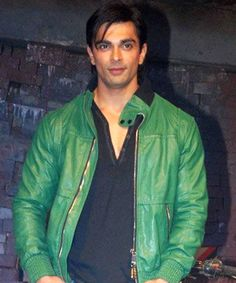 Karan Singh Grover is ready to sell the aggressive heat with upcoming Qubool Hai! Tv Actors, Actors & Actresses, Qubool Hai, Amitabh Bachchan, Ryan Gosling, Male Form, Indian Celebrities, Bollywood, Bomber Jacket