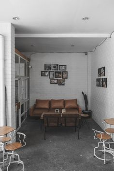 Cafe Interior, Entryway Bench, Conference Room, Table, Furniture, Home Decor, Entry Bench, Hall Bench, Decoration Home
