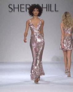 Sherri Hill Look Fall Winter 2017 / 2018 Collection. Runway Show by Sherri Hill. Couture Fashion, Runway Fashion, Fashion Show, Fashion Outfits, Fashion 2020, Fashion Design, Fashion Women, Fashion Trends, Catwalk Models