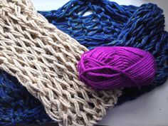 Arm knitting tutorial: knit these scarves using only your arms in 30 min or less!!