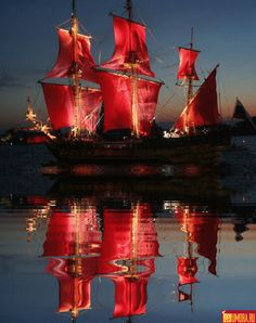 Beautiful colorful pictures and Gifs: Sea, Beach, Ocean and reflecting Water Pictures-Oceano, Playas y Reflexiones de Agua Art Internet, Pirate Life, Sail Away, Jolie Photo, Tall Ships, Shades Of Red, My Favorite Color, Sailing Ships, Urban Art