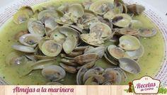 Almejas a la marinera, una receta para mojar pan -  No hay una receta tan singular y significativa en toda España que unas buenas almejas a la marinera ( o en salsa). Con tan sólo unos pocos ingredientes de andar por casa, podemos realizar una maravillosa receta saludable en 10 minutos. De esta manera, tendremos una alimentación saludable para ce... - http://www.lasrecetascocina.com/2013/11/06/almejas-la-marinera-una-receta-para-mojar-pan/