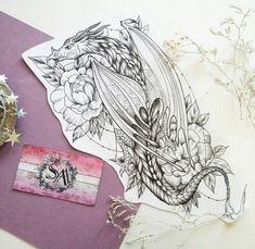 Drache und Blumen Tattoo Skizze Dragon and flower tattoo sketch – – Dragon Sleeve Tattoos, Leg Tattoos, Flower Tattoos, Body Art Tattoos, Celtic Tattoos, Wolf Tattoos, Tigh Tattoo, 1 Tattoo, Back Tattoo