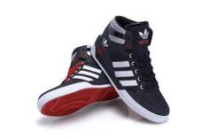 Der neue adidas Hardcourt Hi im schwarz - mohnroten Colorway