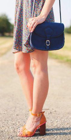 I just love this deep blue purse