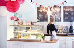 Zuckermonarchie in Hamburg Taubensraße 15 Cafe, Mo,Di und Mi geschlossen, Do bis So von 11 bis 19 uhr geöffnet