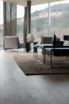 Flotte brede eikebord Wooden Flooring, Types Of Wood, Elegant, Interior, Table, Inspiration, Furniture, Home Decor, Pictures