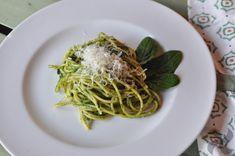 Espaguetis con salsa de espinacas - Recetas Thermomix Pasta Thermomix, A Food, Spaghetti, Ethnic Recipes, Sauces, Few Ingredients, Beverages, Pasta Types