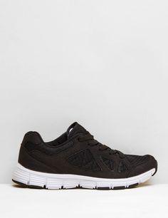 baskets bi-matière noires - http://www.jennyfer.com/fr-fr/accessoires/chaussures/baskets-bi-matiere-noires-10007721060.html