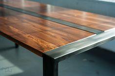 Walnut Desk or Dining Table Steel Frame Custom 'Zeeva' por MezWorks