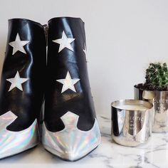 Wearing Stars and Stripes today and thinking about all those voting in America ⭐ What an incredible chance to make history! (Ps there's a whole election inspired wish list... Link in bio) . . . . . #stars #asseenonme #fashion #ootd #fashiononabudget  #monochrome #postitfortheasthetic  #details #statementpiece  #boots  #persuepretty #thatsdarling #lookslikefilm #justgoshoot #lbloggers #ukblogger #style #fblogger #fashionblogger #visual #livefolk #capsulewardrobe  #livethelittlethings…