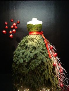 Christmas Window Display Ideas for Fashion Retailers and Visual Merchandisers. Get ready and inspired for the holidays with all of these holiday and Christmas window displays! Dress Form Christmas Tree, Noel Christmas, Christmas Is Coming, All Things Christmas, Christmas Crafts, Xmas Tree, Christmas Windows, Christmas Fashion, Christmas Wedding