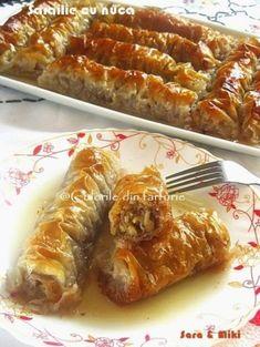 » Sarailie cu nucaCulorile din Farfurie Romanian Desserts, Romanian Food, Sweets Recipes, Cookie Recipes, Vegan Recipes, Delicious Deserts, Sweet Desserts, Hot Dog Buns, I Foods