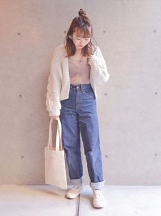 休日おでかけコーデ🌸 Mom Jeans, How To Wear, Pants, Fashion, Trouser Pants, Moda, Fashion Styles, Women's Pants, Women Pants