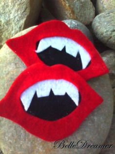 felt vampire hairclips great for rocky horror fans http://www.facebook.com/pages/BelleDreamer/140451456000397