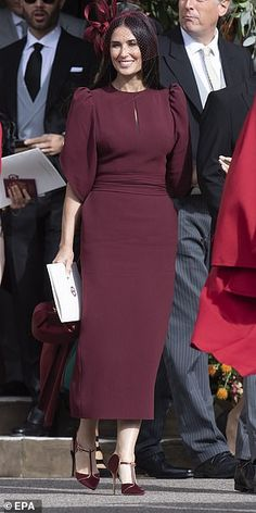 JAN MOIR watches an eye-boggling parade of celebs at Eugenie's wedding Demi Moore chose a maroon dress for the royal wedding in Windsor Hijab Evening Dress, Hijab Dress Party, Evening Dresses, Prom Dresses, Simple Dresses, Elegant Dresses, Vintage Dresses, Casual Dresses, Hijab Casual