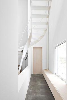 Case house interior design - Sapporo, Hokkaido, Japan | stairs . Treppe . escalier | Design: Jun Igarashi Architects |