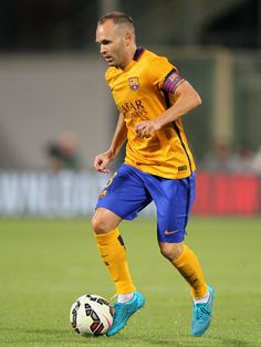 Andres Iniesta of FC Barcelona in action during the preseason friendly match between ACF Fiorentina and FC Barcelona at Artemio Franchi on August 2, 2015 in Florence, Italy.