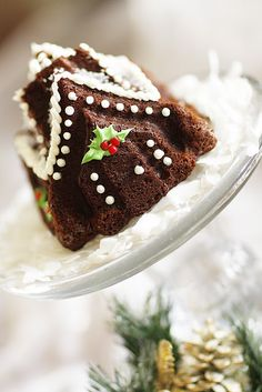 Purple Chocolat Home: Gingerbread House Cakes