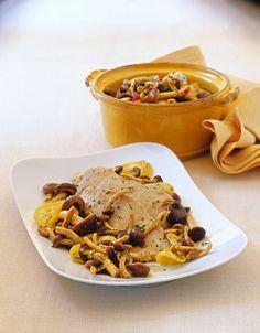 Fai gustare ai tuoi ospiti delle ottime scaloppine con funghi aromatizzati al limone; scopri quanto è semplice grazie alla ricetta di Sale&Pepe!