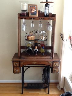 antique sewing machine with a wine glass holder hand made                                                                                                                                                                                 Más