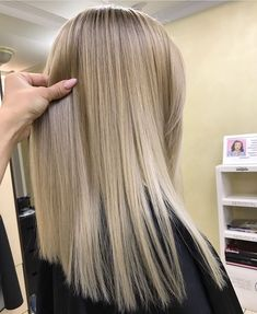 The 74 Hottest Blonde Hair Looks to Copy This Summer Long Curly Hair, Curly Hair Styles, Blonde Straight Hair, Balayage Straight, Blonde Balayage, Hair Highlights, Gorgeous Hair, Hair Looks, Hair Lengths