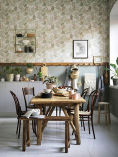 Dining Area, Kitchen Dining, Timber Wall Panels, Deco Nature, Interior Wallpaper, Farmhouse Renovation, Hallway Designs, Hygge Home, Cottage Kitchens