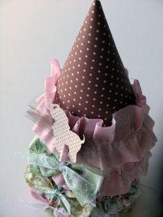 Decorar chapéu de festa infantil com retalhos é muito fácil e deixa-o mais bonito (Foto: thegirlinspired.com)