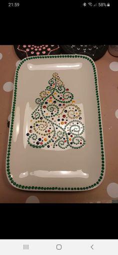 Dot Art Painting, Mandala Painting, Pottery Painting, Ceramic Painting, Mandala Art, Christmas Plates, Christmas Store, Christmas Crafts, Christmas Centerpieces