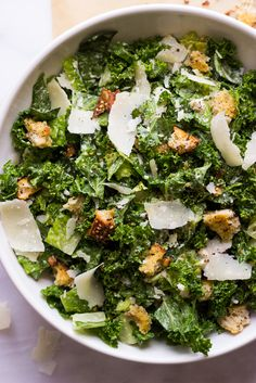 35 minutes · Makes and romaine caesar salad tossed in a garlicky greek yogurt caesar dressing without any egg! It's a delicious twist on a classic caesar salad but with more leafy greens and lighter dressing. Healthy Salads, Healthy Eating, Healthy Recipes, Ceaser Salad Recipe, Kale Salad Recipes, Kale Salads, Quinoa Salad, Cooked Kale Recipes, Sauces