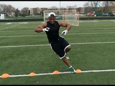 """""""How To Run Faster"""" - Speed And Agility Drills For Football Players - Speed & Agility Training Flag Football, Football Drills For Kids, American Football Nfl, Football Training Drills, Basketball Tricks, Basketball Workouts, Youth Football, Football Moms, Basketball Shoes"""