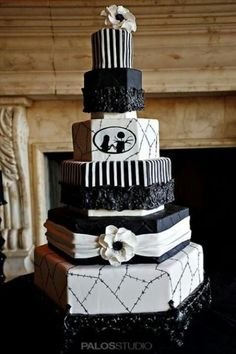 Nightmare Before Christmas wedding cake ♥