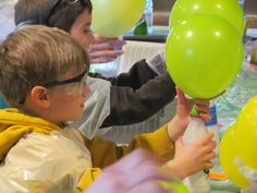 """""""Blow Up That Balloon"""" Science Experiment: What a cheap, easy, and fun science experiment for home, school, or a Science Birthday Party!"""