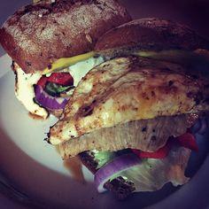 #foodporn #healthfood #burger #chicken #egg #chease #loveit #nachtschicht #uksh #uni #lübeck by stuka89