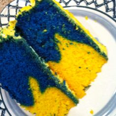 yellow and blue marbled batman  cake?? ( just this pic..for inspiration?)