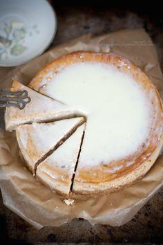Sernik z masłem orzechowym. Pyszny!  (Peanut butter cheesecake. Delicious!).