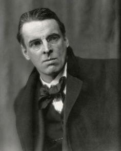 William Butler Yeats /jeɪts/, poeta y dramaturgo irlandés. Envuelto en un halo de misticismo, Yeats ha sido una de las figuras más representativas del renacimiento literario irlandés y fue uno de los fundadores del Abbey Theatre.