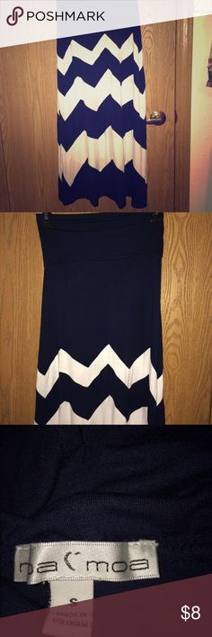 Navy blue and white chevron striped maxi skirt! Navy blue and white chevron striped maxi skirt! Never worn! This skirt is super cute when sporting the nautical look! Moa Moa Skirts Maxi