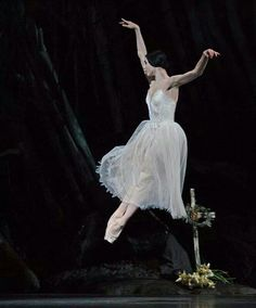 "A beautiful example of an 'assemble' with the legs coming together in the air. Natalia Osipova in ""Giselle"" at the Royal Opera House /January 2014"