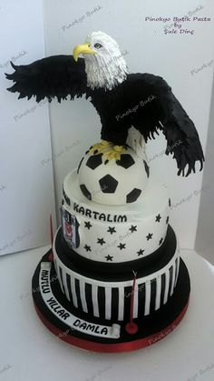 Pinokyo Butik Pasta ve Kurabiye - İzmit: Şampiyon Karakartal ! 4th Birthday, Birthday Cake, Realistic Cakes, Easy Cake Recipes, Sugar Art, Babys, Cupcake, Champion, Pinocchio