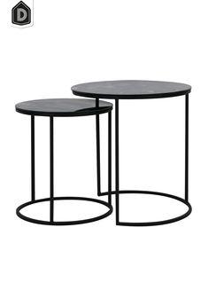 Of je nu op zoek bent naar een groot of een wat kleiner meubel, voor mooie en kwalitatieve tafels in iedere stijl zit je bij ons goed! Zoals bijvoorbeeld bijzettafel TABUN uitgevoerd in glas antiek-mat zwart.  De bijzettafel is een set van 2 met de afmetingen Ø40×45 + Ø50×52 cm.  #dutchhomelabel#lightandliving#lightliving #verymodern #bijzettafel #tafel#interieurinspiratie  #interieurstyling#binnenkijken Table, Furniture, Home Decor, Decoration Home, Room Decor, Tables, Home Furnishings, Home Interior Design, Desk